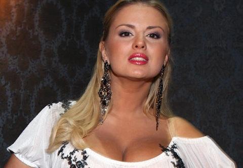 Сексуальная Екатерина Вилкова в свадебном платье Свадьба по обмену