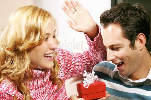 Подарки на день влюбленных парню своими руками