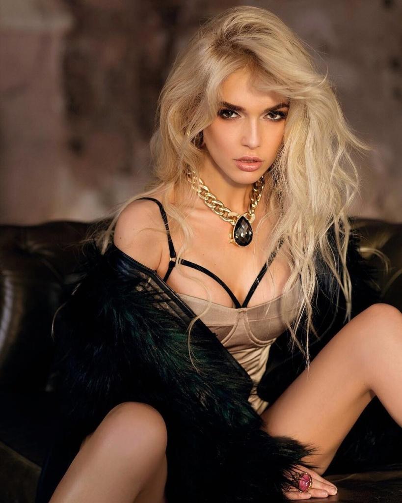 Блондинка из новой виагры